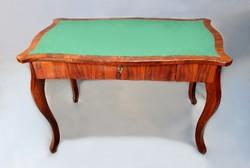Biedermeier posztóbetétes fiókos szalonasztal