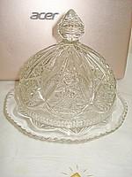 Gyönyörű nagy méretű peremes kupolás kristály üveg sajt vagy bonbon kínáló