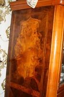 Antik 1880.-ba készült barokk vitrines szekrény