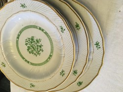 Hollóházi  Scarbantia /2 db mély/leveses/és 2 db lapos tányér zöd-arany dekorral együtt!