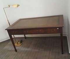 Edward-kori antik íróasztal /143x82 cm/