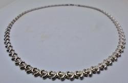 Gyönyörű széles ezüst nyakék
