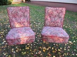 2 db. kárpitos szék egyben fém lábakon