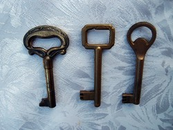Régi réz kulcsok 3 db