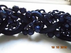 Kézzel készült egyedi fonott nyakék fazettált gyöngyökből,láncokból és vastag zsinórokból