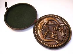 Katymár címeres bronz plakett.