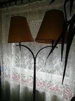 Kovácsoltvas álló lámpa