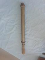 Antik réz pumpa vagy méhészethez használt eszközö a képeken látható állapotban van
