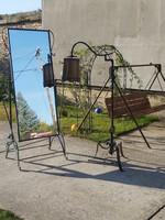 Iparművészeti lámpa és tükör