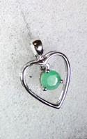 Limitált darabszámú ékszer 925-ös ezüst szív medál 0,480 karátos Brazil Sakota Smaragd drágakővel