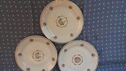 Régi Zsolnay kis és nagy tányérok