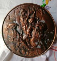 Domború fém faldísz (középkori zenészek)