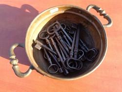 Régi pince és ajtó kulcsok tisztított 17 db