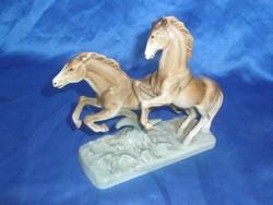 Royal Doux vágtató lovak