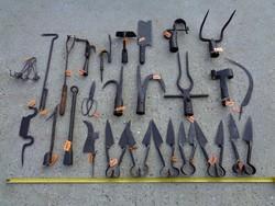 Régi háztáji eszközök néprajzi tárgyak mezőgazdasági eszközök egyben vagy külön-külön is eladó