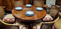 Restaurált étkezőasztal 6 db székkel