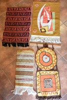 Különleges keresztszemes, horgolt és hurkolt suba fali textilek egyen vagy külön