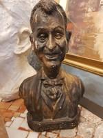 """Szignós kerámia szobor, 29 cm magas, pillekönnyű, """" dózer Fábry"""" a cím vége"""