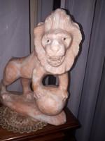 Márvány oroszlán szobor  hibás