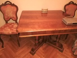 Antik restaurált étkezőasztal barokk jellegű
