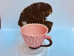 Zsolnay Júlia -csésze és csészealj a Lotus sorozatból.1