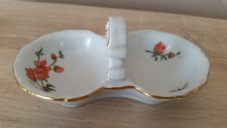 Zsolnai, virágos porcelán fűszertartó eladó!Só-bors tartó eladó