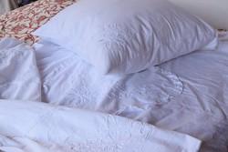 RITKA Álomszép hímzett csipkés ágynemű garnitúra pár paplanhuzat párnahuzat 196x130