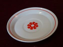 Hollóházi porcelán kávéscsésze alátét. Piros mintával. Átmérője: 11 cm.