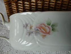 Diszkrét virágos porcelán szószos kiöntő, kínáló