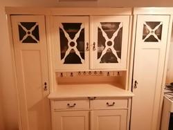 Tálaló szekrény - vintage stílusban