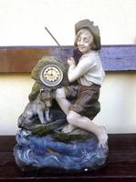 Nagyméretű figurális asztali óra, kandalló óra, benne működő Kienzle órával