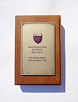 IV. Nyári Universiade - 1965, a brit csapat hálás köszönetével, tűzzománcos,fémjelzett lap