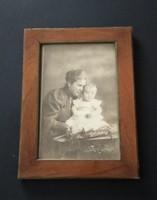 Jelzett, antik fotó, kép (műtermi, Strelisky 1906) + keret (a fotó és a keret is jelzett) eladó