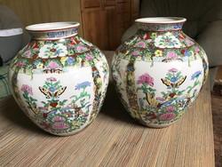 Kézzel festett kínai vázák párban