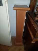 Méteres modern posztamens, kiváló illesztésekkel, tökéletes állapotban