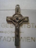 N 4 Ezüstözött kereszt két oldalú a hátulján Szűz Mária