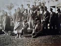 Régi fotó 1941 vintage népi fénykép csoportkép földművelés