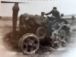 Régi fotó vintage fénykép földművelés aratás traktor 3 db