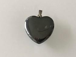 Hematit medál, szív alakú