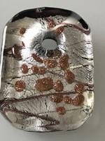 Muránói medál ezüst lapokkal és aranyporral díszítve