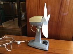 Retro régi asztali fémházas ventilátor