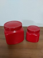 Piros porcelán tégelyek