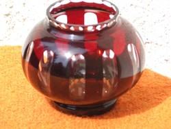 Lila üveg váza gömb alakú