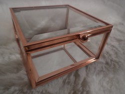 Üveg - DOBOZ - metszett vastag  - vörösréz keretben - teteje nyitható - alja tükör - 10 x 9 x 5 cm