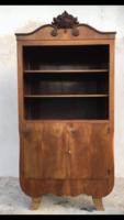 Különleges  formájú könyves szekrény, garnitúra része