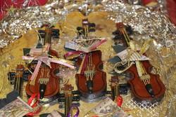 Hegedű karácsonyfadísz