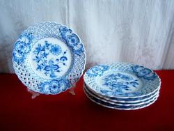 Gyönyörű állapotú Meisseni áttört szélű, hagymamintás porcelán tányér 18 cm átmérő