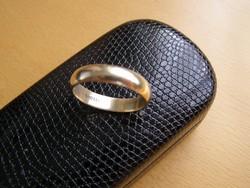 Sima arany karikagyűrű,  8 karátos