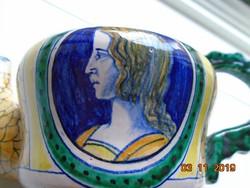 Kézzel festett Reneszánsz női portréval,halpikkellyel,szignós olasz kerámia tea kiöntő