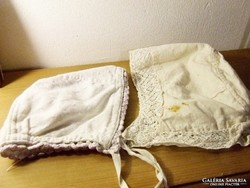 Régi antik babaruha:baba sapka, sapkák és egy kislány ruhaderék egyben